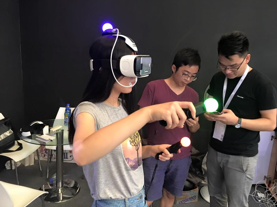vr-china-joy-headset-move